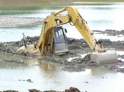 digger_stuck_in_mud